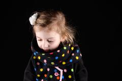 gilet fillette noir pois multicolor